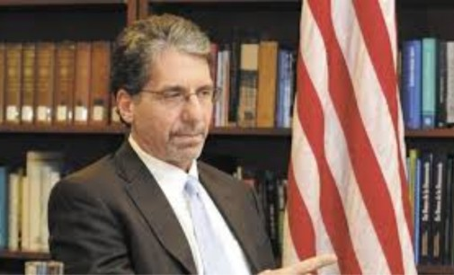Llego saludo embajador de los Estados Unidos