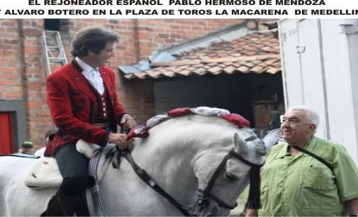 Una foto para recordar Alvaro Botero, con don Pablo Hermoso de Mendoza en el callejón de la Macarena de medellin