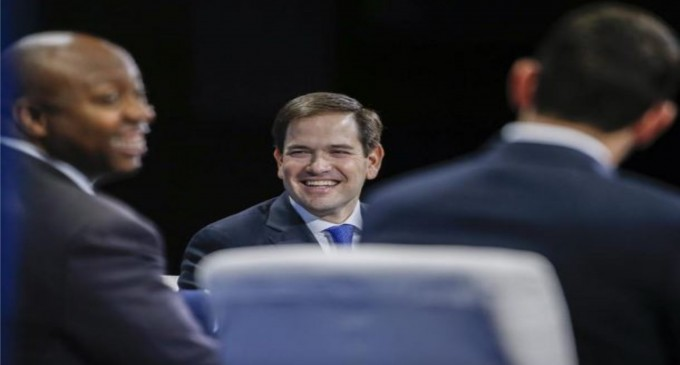 """Senador Rubio busca acabar con """"abusos"""" en beneficios migratorios a cubanos"""