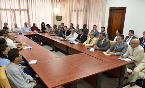 Delegaciones de gobierno y Farc asistirán a juego de béisbol entre EE.UU. y Cuba