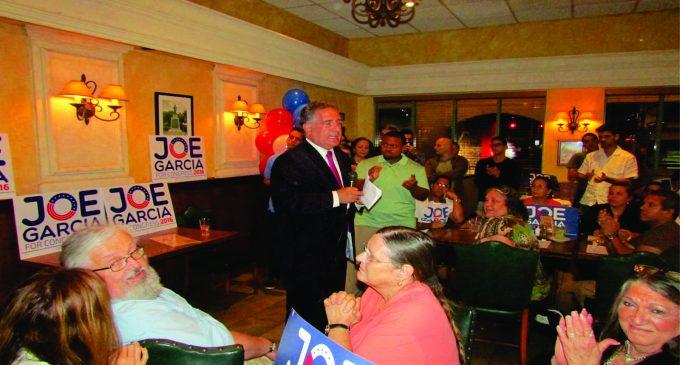 Joe Garcia le gano la contienda a  Annette Taddeo  para el distrito 26