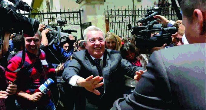 Alvaro Uribe: ¿esta habilitado para ser vicepresidente?