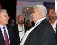 De que se reiran Uribe y Botero