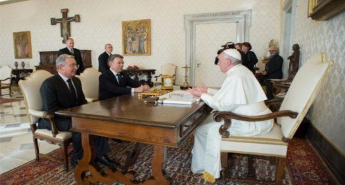 Santos y Uribe se encontraran en Medellin durante misa papal