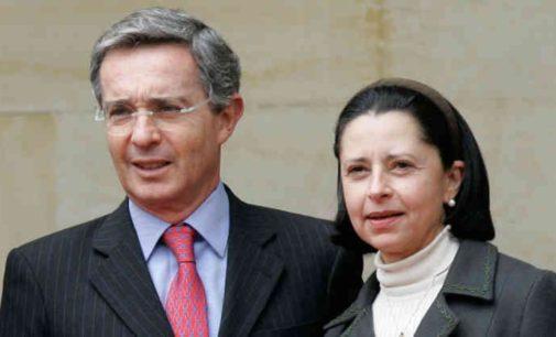 Así es el abuelo Alvaro Uribe Velez