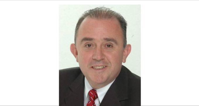 Fabio Andrade es el nuevo cónsul buses gratis para su posesión desde Weston