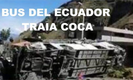 Encuentran cocaína en bus accidentado en Ecuador