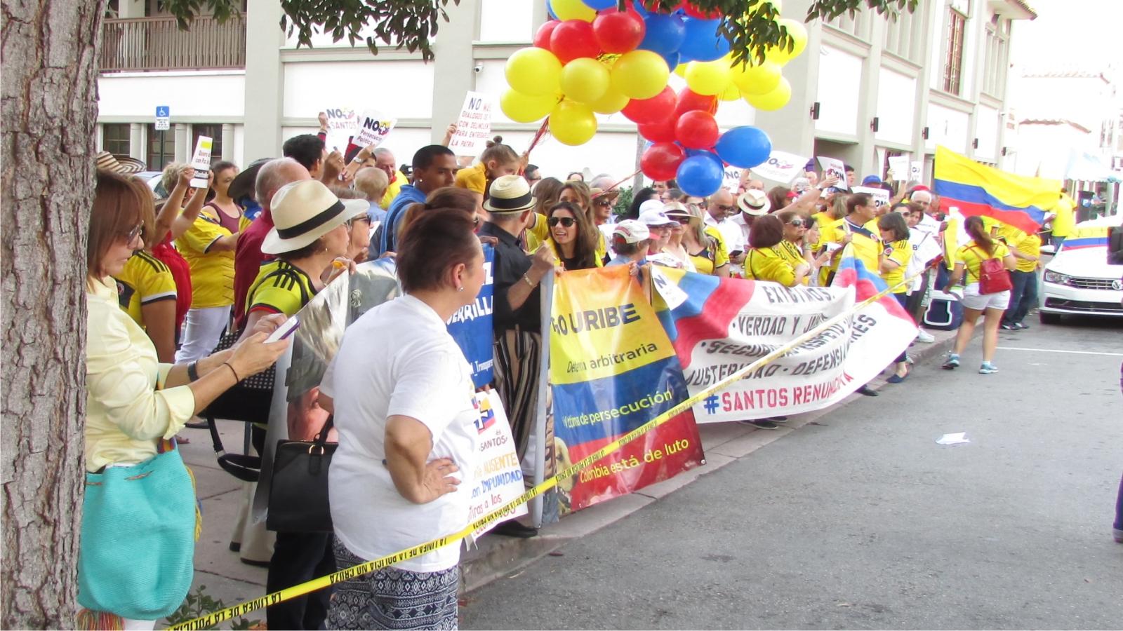 Consulado colombia Miami planton paz
